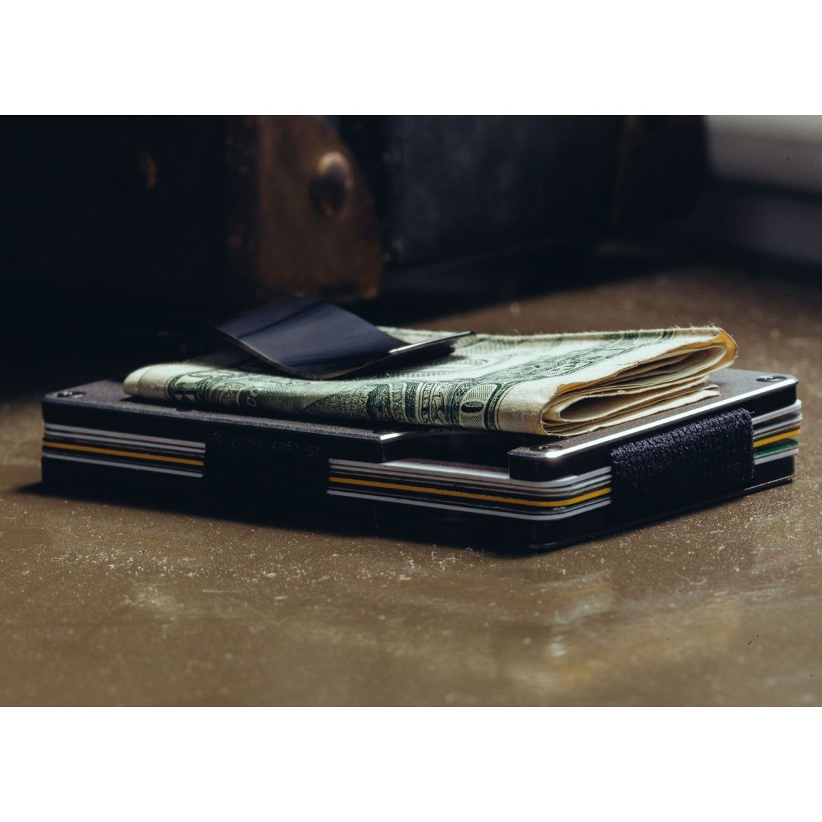 THE RIDGE Aluminum Wallet With Money Clip - Gunmetal
