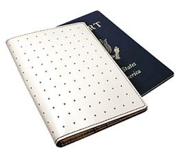 J.FOLD ארנק לדרכון דגם Passport Carrier - שנהב